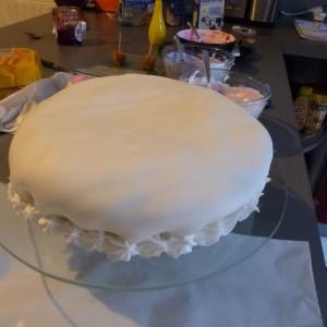 Nail art cake  (1)