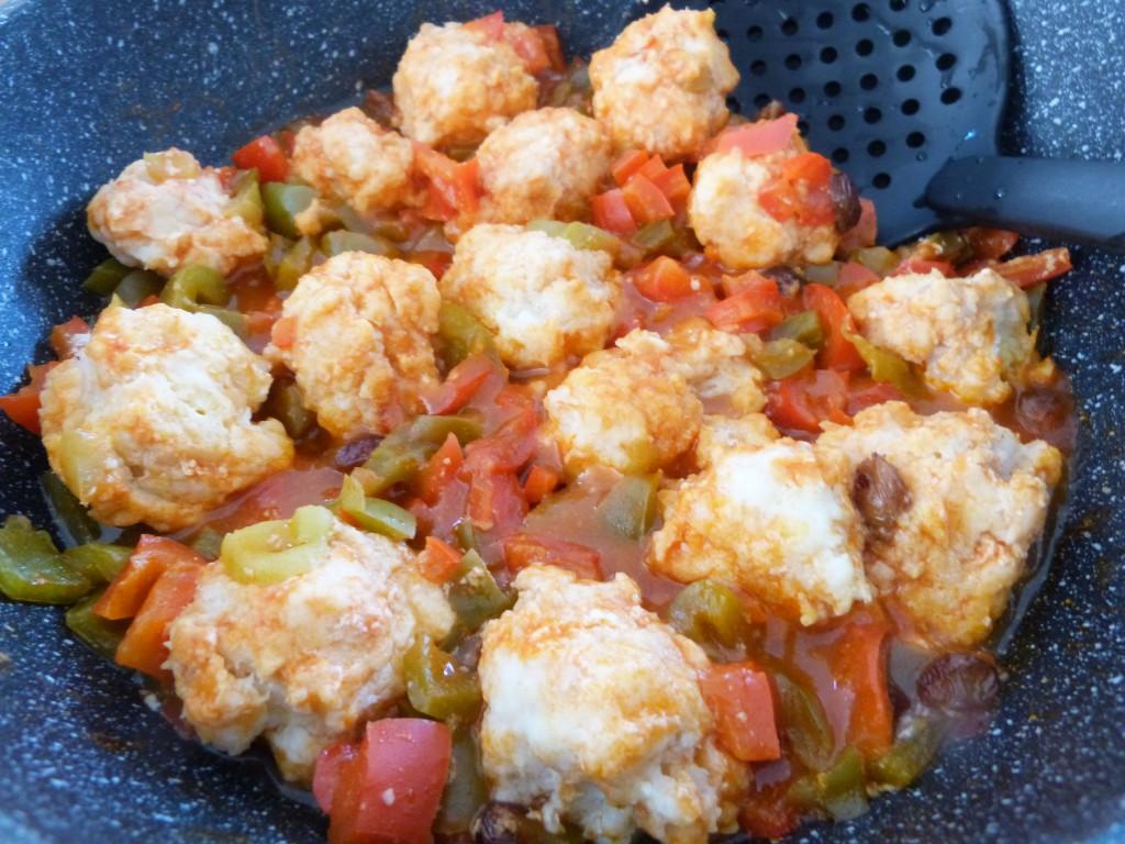 boulettes poisson aux deux poivrons tomates (1)