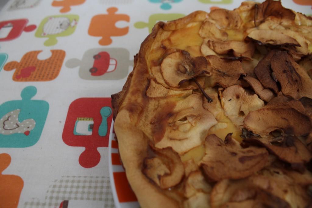 Tarte au lait concentré et pommes déshydratées (5)