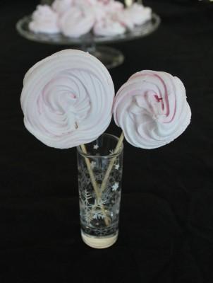 meringues-grenadine-loolipops-1