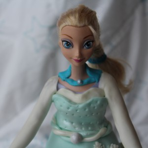 reine-des-neiges-barbie-molly-cake-chocolat-13