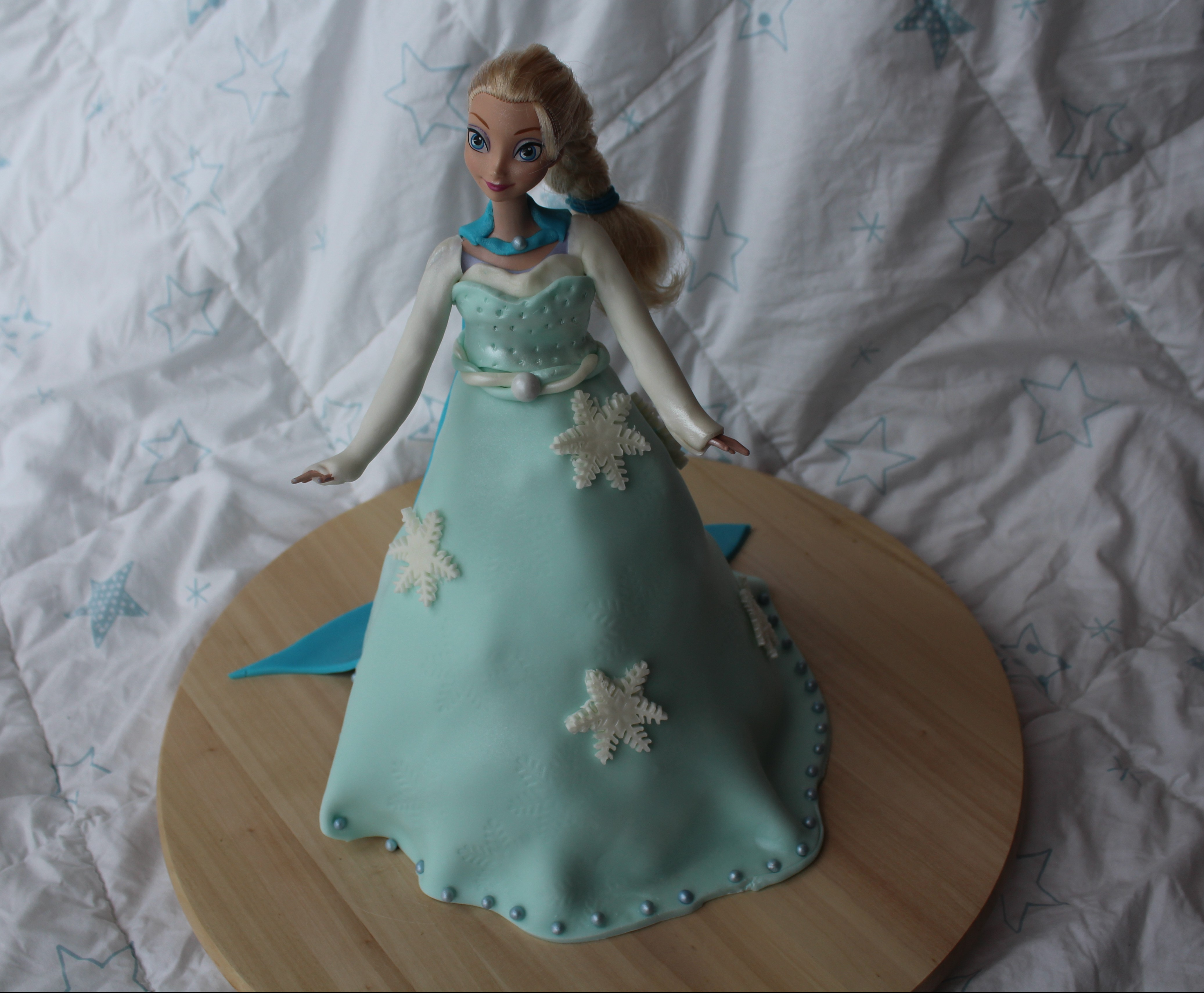 G teau barbie elsa reine des neiges qui aime - Barbie reine des neiges ...