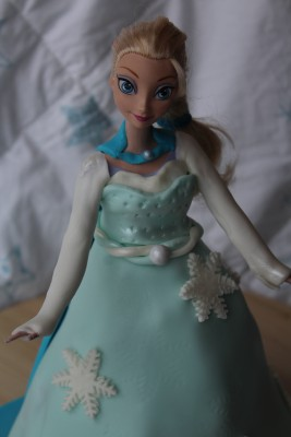 reine-des-neiges-barbie-molly-cake-chocolat-8