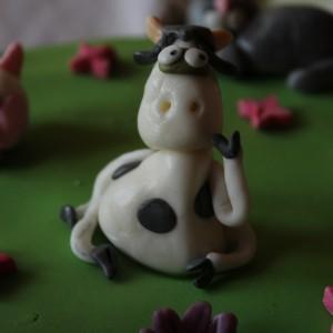 gateau-animaux-ferme-pate-a-sucre-2-ans-camille-20
