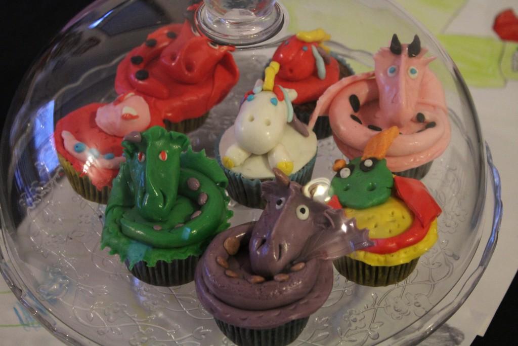 cupcakes-dragon-27