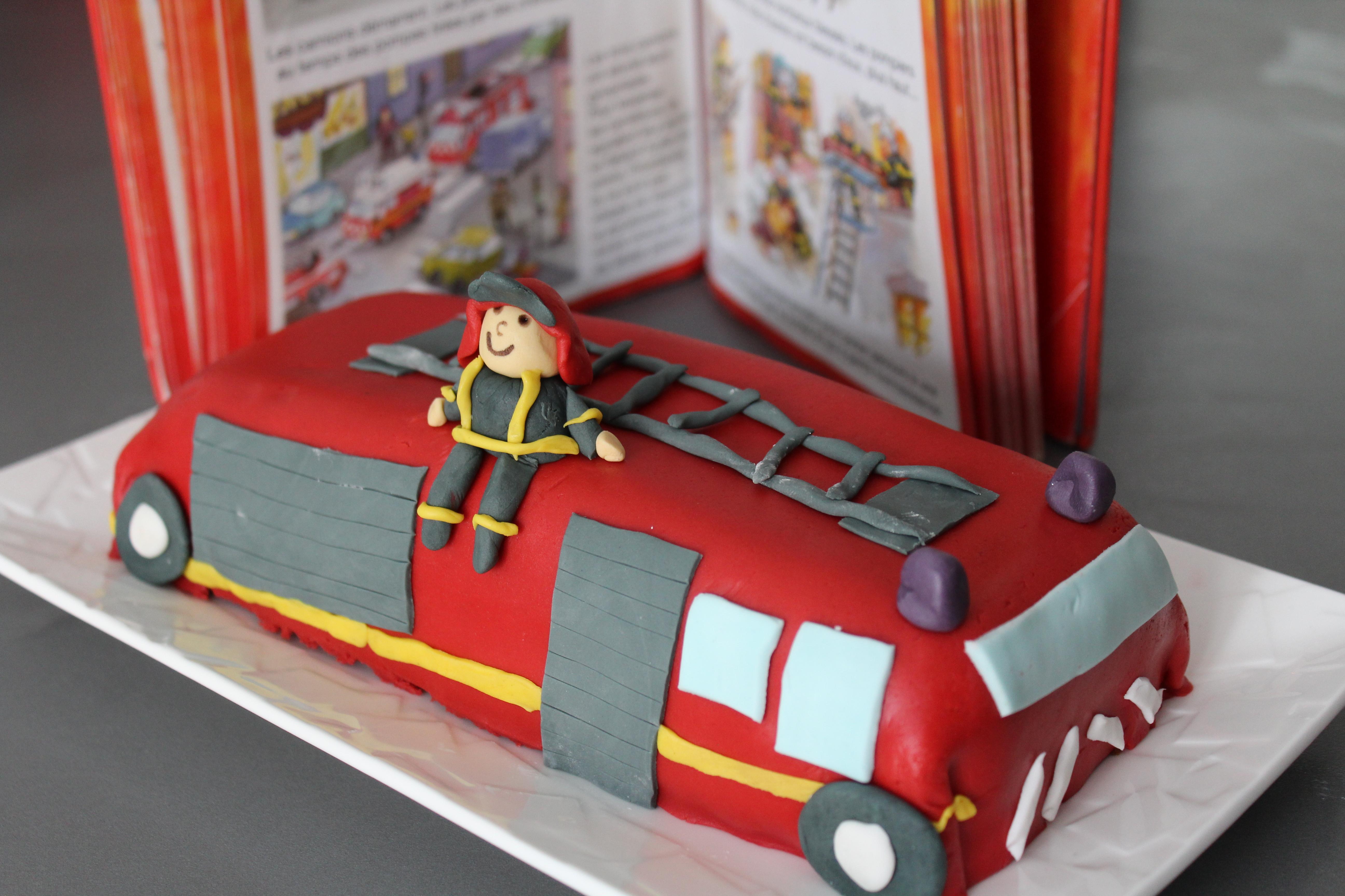 g teau camion de pompier qui aime cuisiner aime mangerqui aime cuisiner aime manger. Black Bedroom Furniture Sets. Home Design Ideas